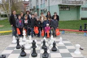 šah na otvorenom -dječje igralište TKZ